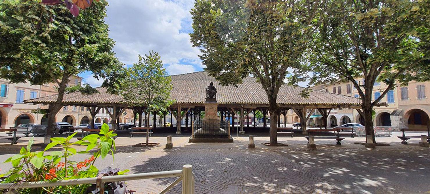 La halle de Beaumont de Lomagne