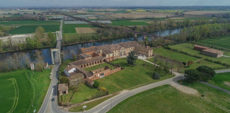 Abbaye de Belleperche à Cordes tolosannes