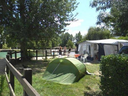 """Camping """"Le Lomagnol"""" à Beaumont de lomagne"""