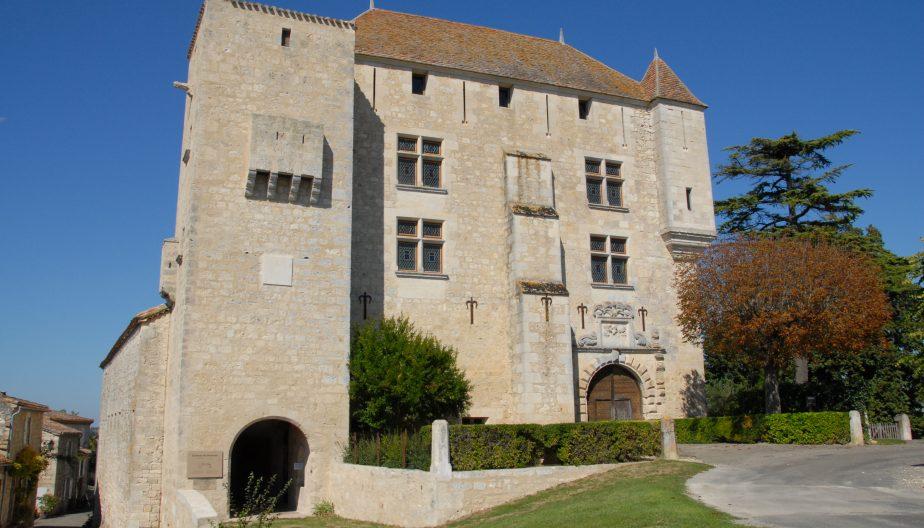 Façade du château de Gramont