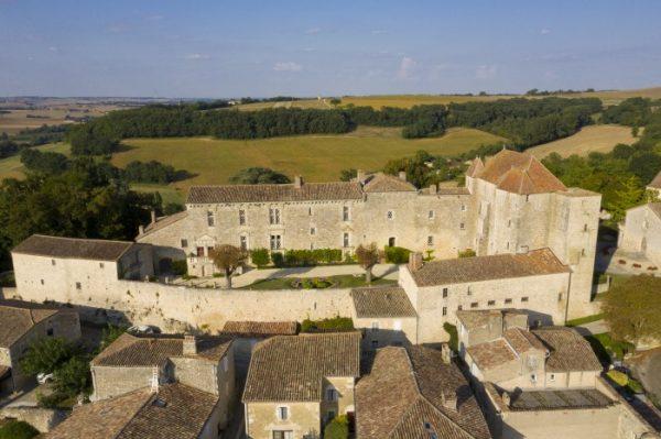 Vue aérienne du château de Gramont