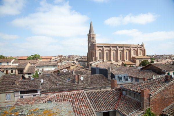 Le clocher toulousain de l'l'église de Beaumont