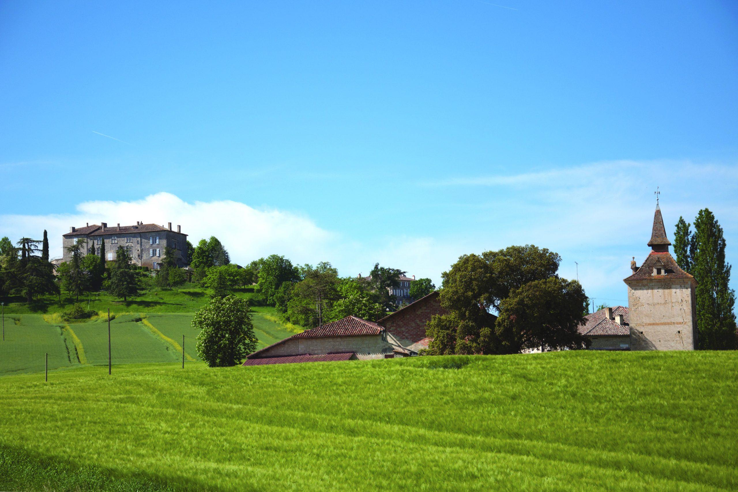 Chateau et pigeonnier de Marsac