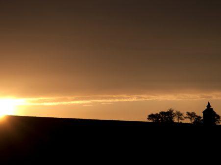 Lever de soleil en Lomagne sur pigeonnier