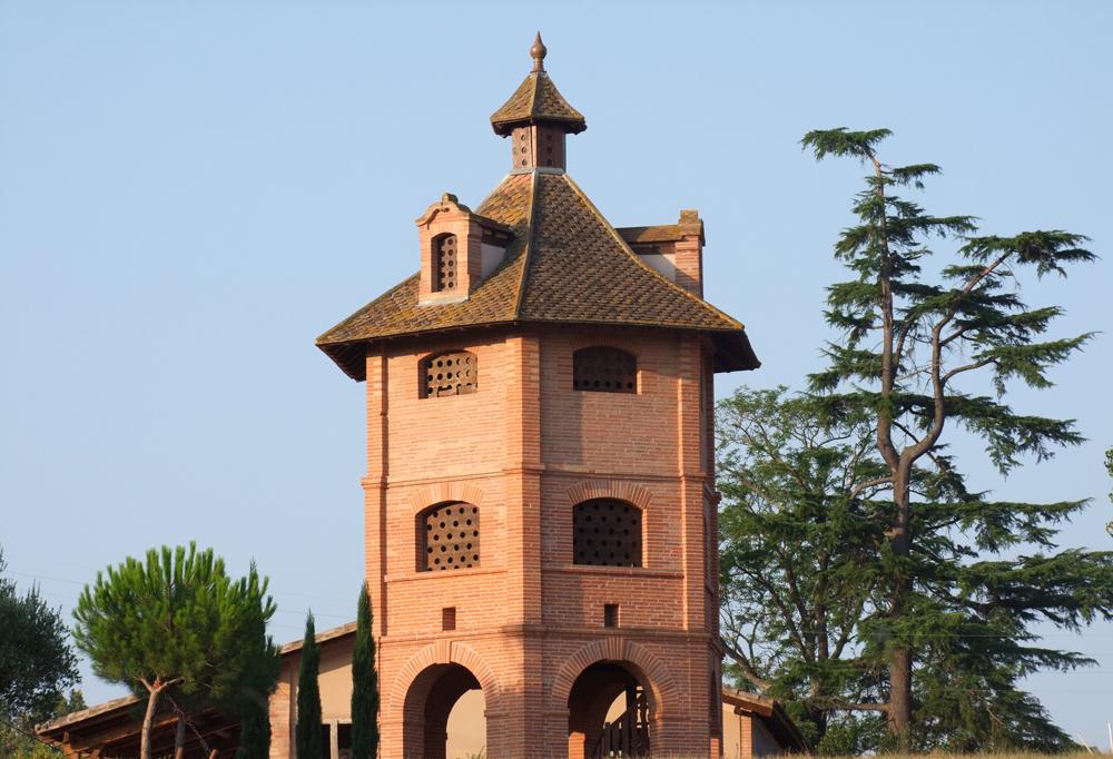 Pigeonnier de Manas à Vigueron.